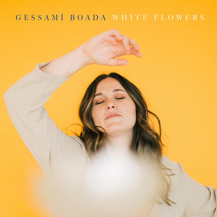 White flowers Gessamí Boada